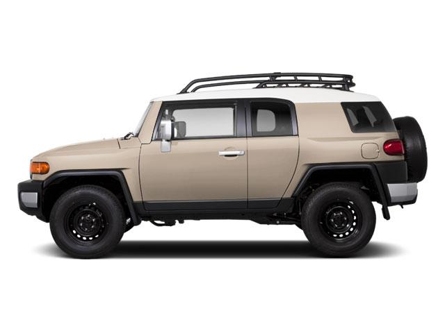 toyota fj cruiser vs jeep grand cherokee. Black Bedroom Furniture Sets. Home Design Ideas