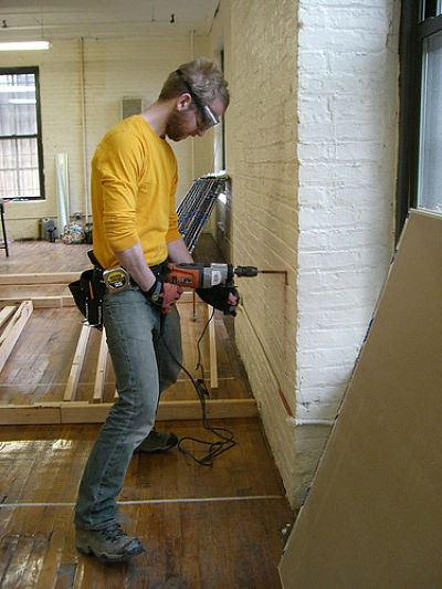 how to become a finish carpenter